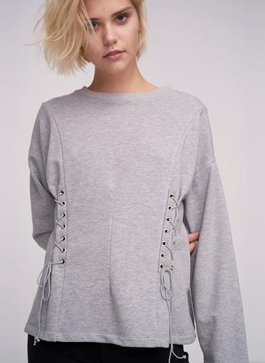 Ribellion Bağcıklı Sweatshirt